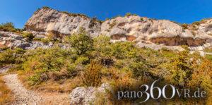 Schroffe Felswände in den Gorges de la Nesque
